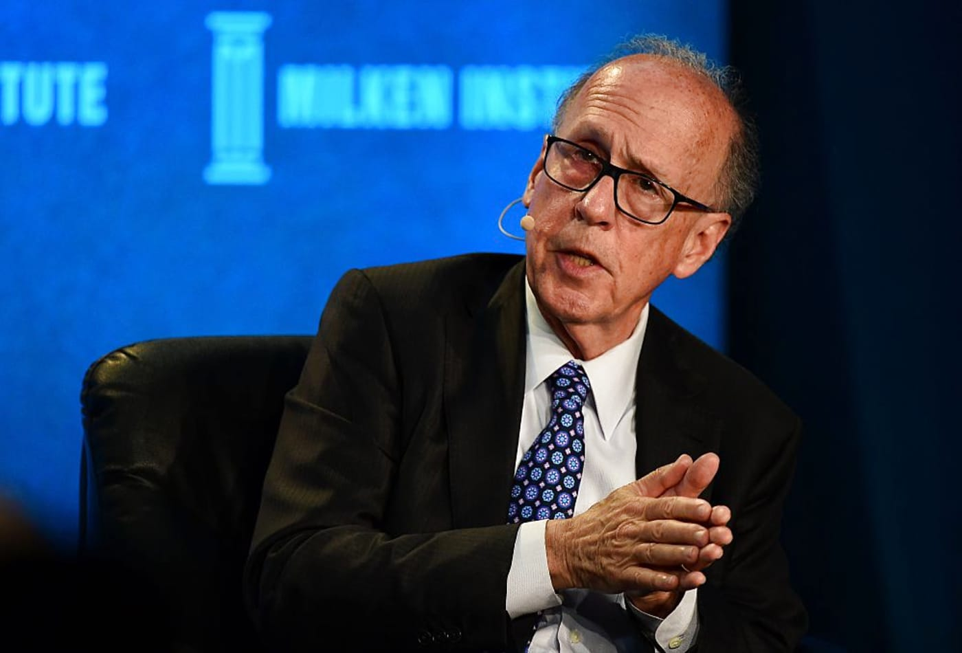 U.S. is on a collision course with a double-dip recession, economist Stephen Roach warns