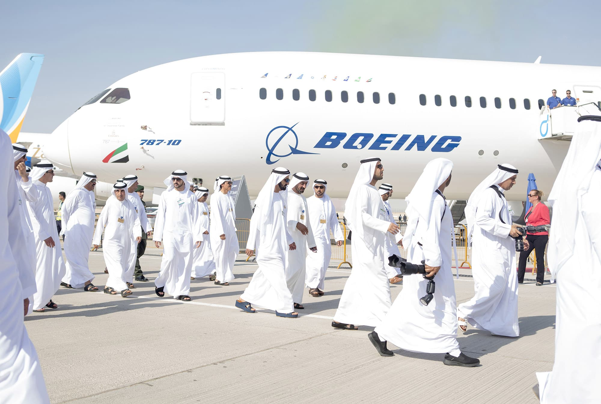 Emirates inks $9 billion order for 30 Boeing 787 jets, will restart plans to expand airline by early 2020s
