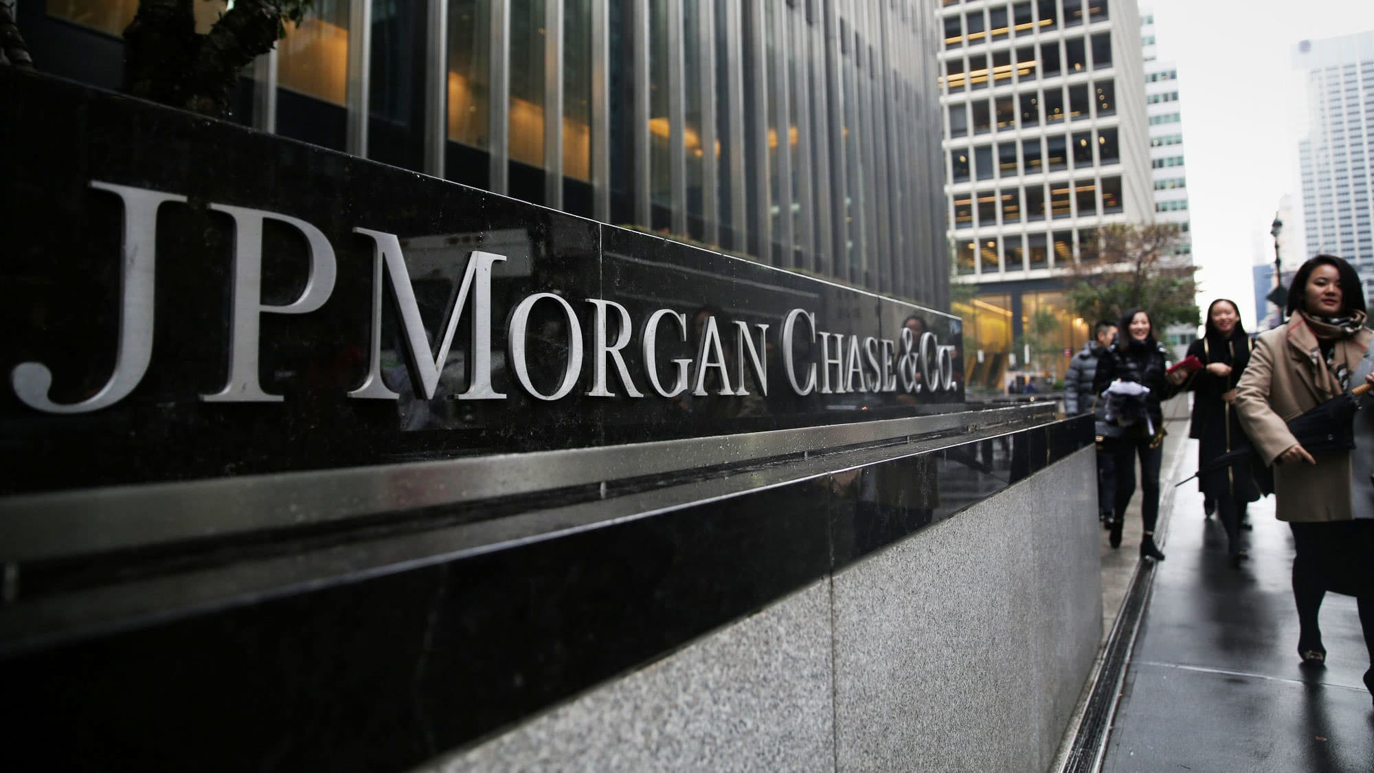U S  seeks halt in lawsuit accusing JP Morgan of rigging metals market