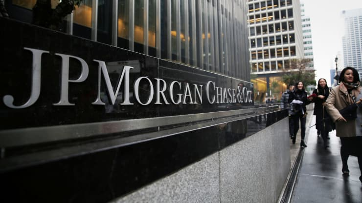 RT: JP Morgan Chase Bank headquarters