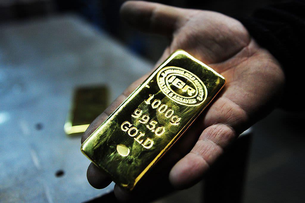 Platinum, gold slide as dollar soars; palladium eases off record