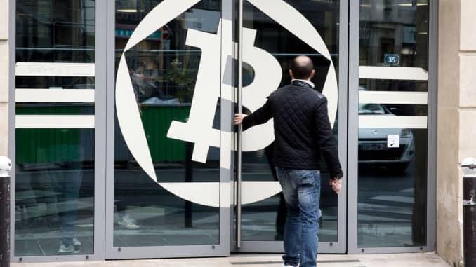 can you short bitcoin futures