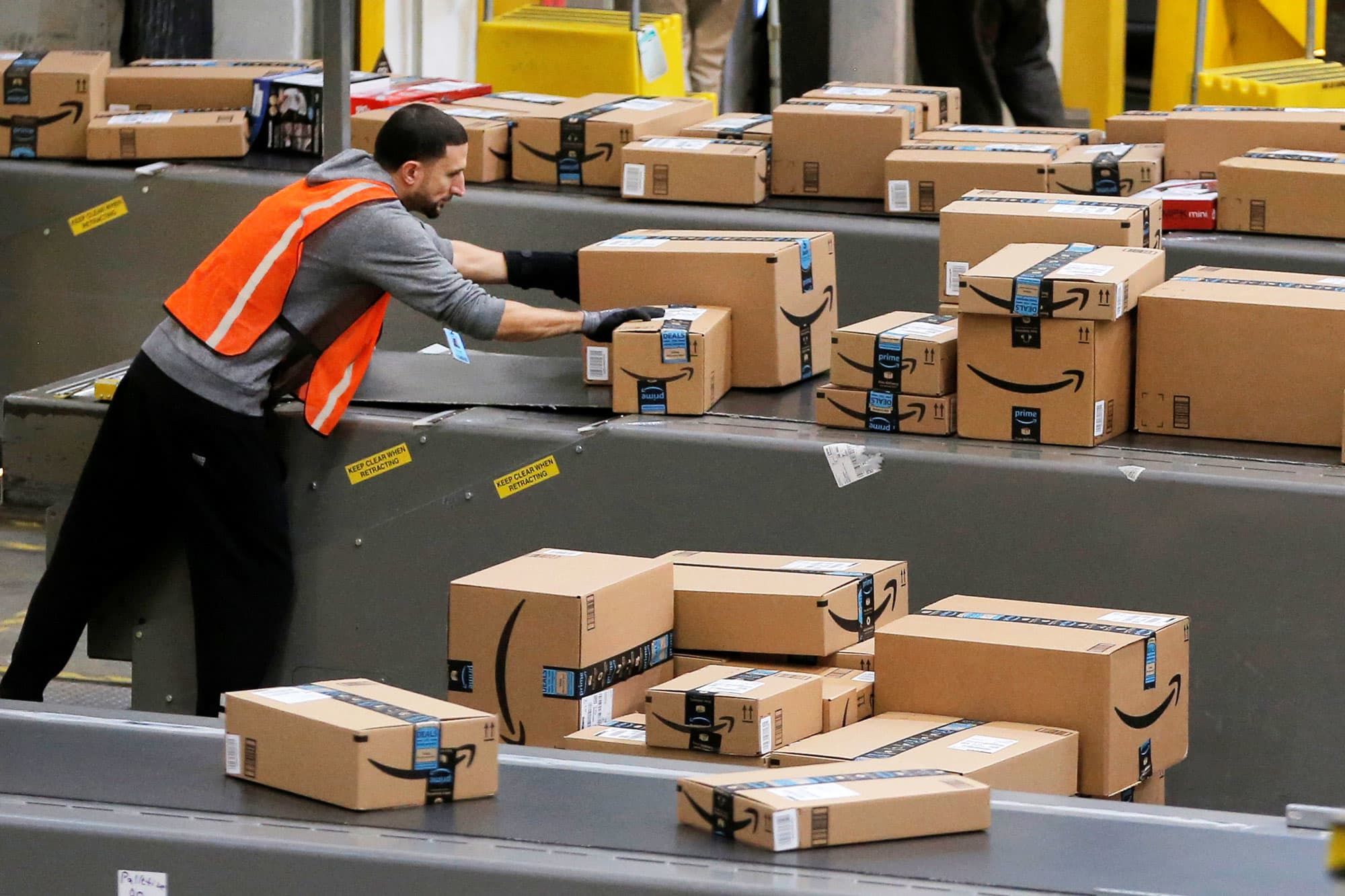 Amazon Prime Now suffers delays amid coronavirus outbreak