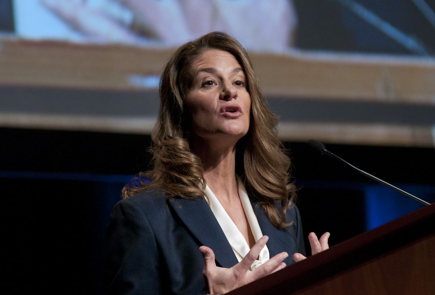 Melinda Gates I Spent My Career In >> How Melinda Gates Used Computer Science To Help Solve This Tech Issue