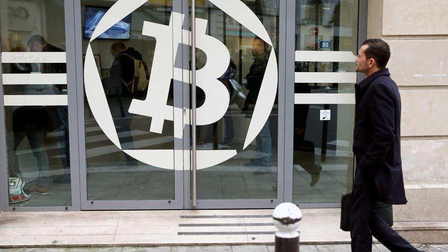merrill lynch bitcoin brokeriai siūlantys bitcoin ateities sandorius