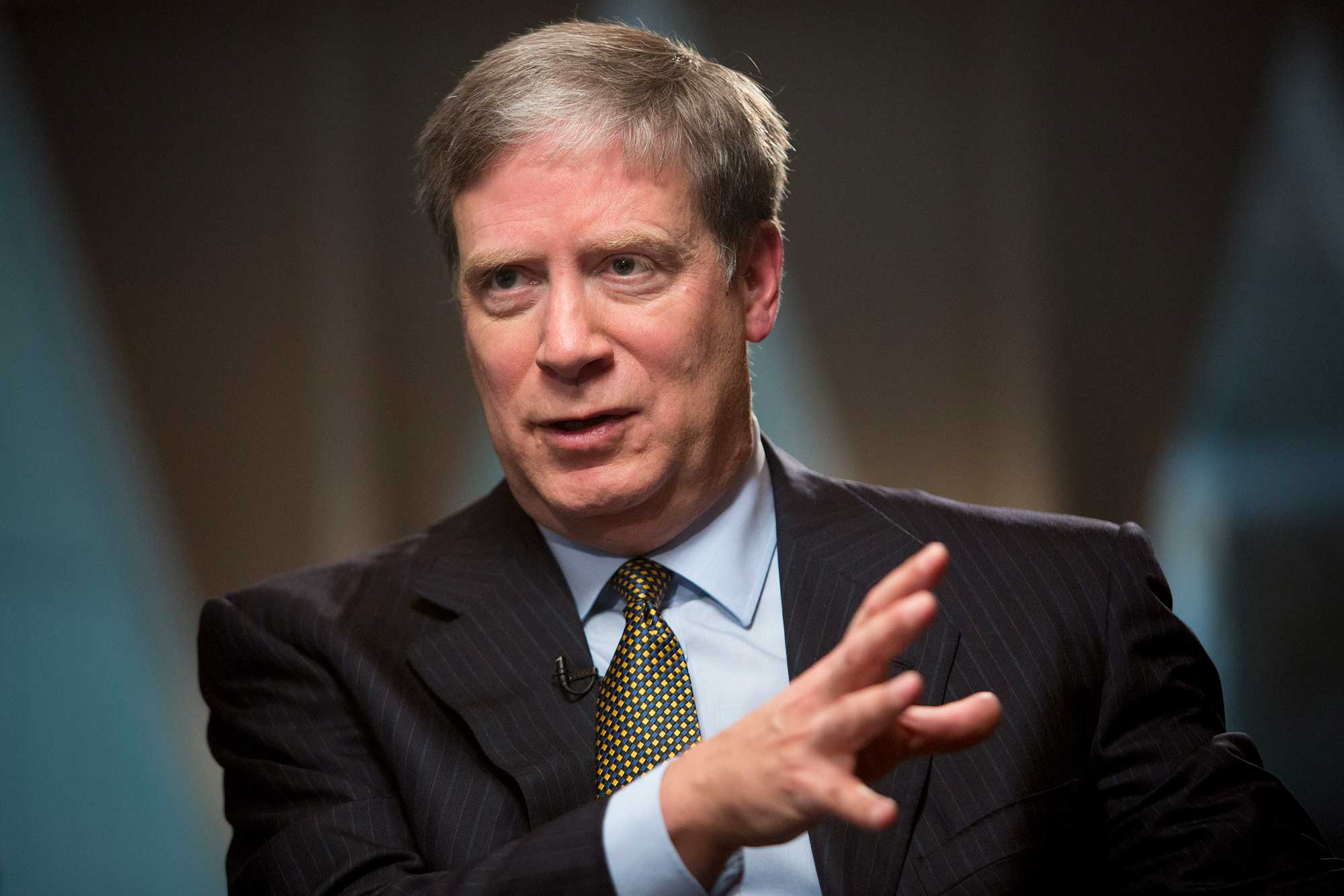 Stanley Druckenmiller sold everything and bought Treasurys after Trump's tweet threatening China