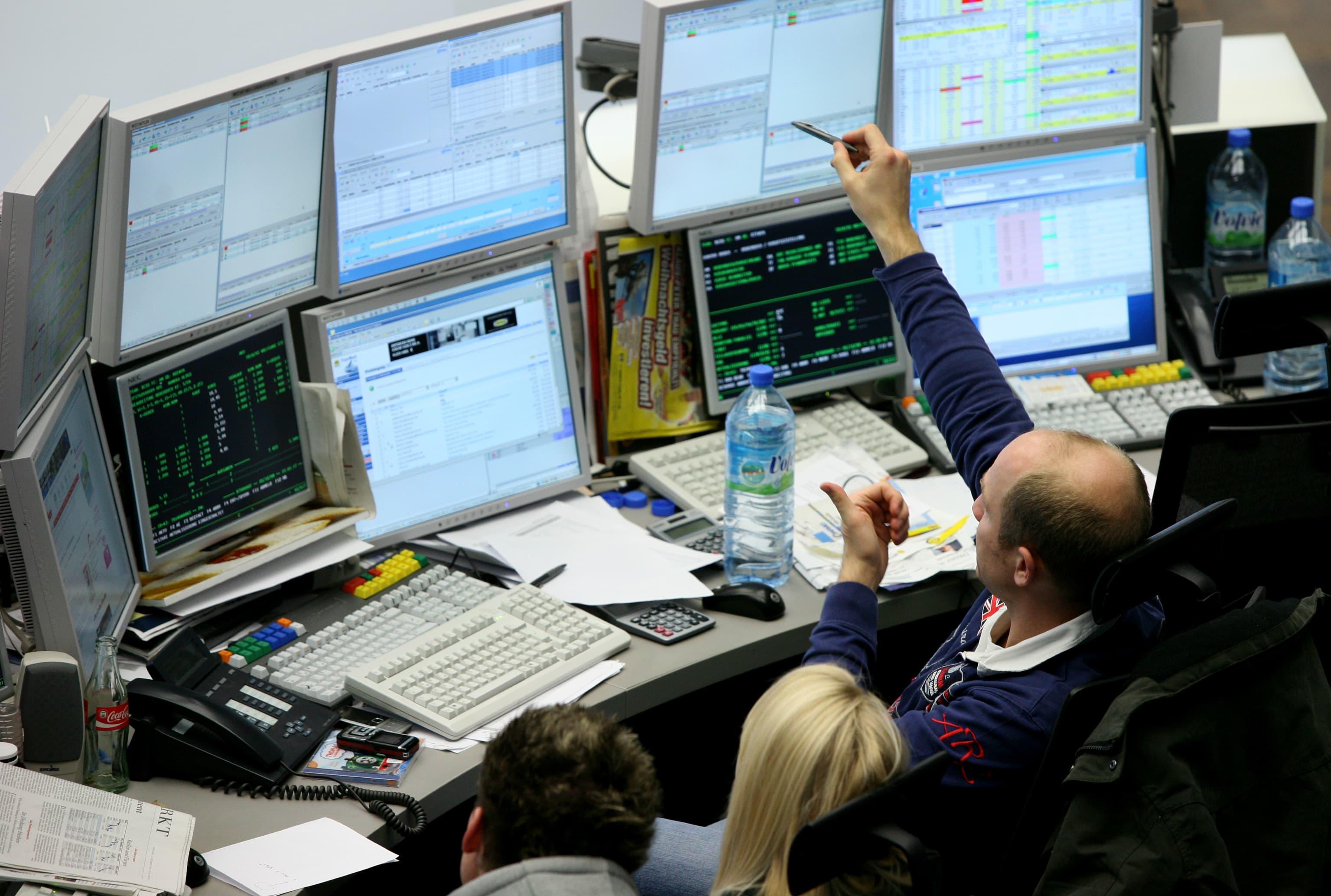 European stocks close flat following euro zone, China data; Thomas Cook plunges 60%