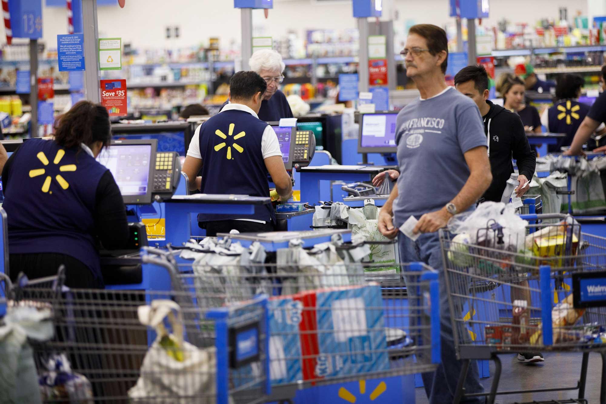 GP: Walmart cashiers shoppers 171116