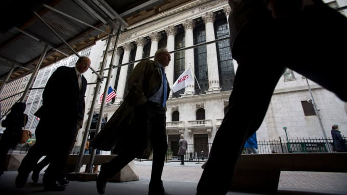 Rumor: Buyback 'blackouts' mean weak stocks  Fact: Not really