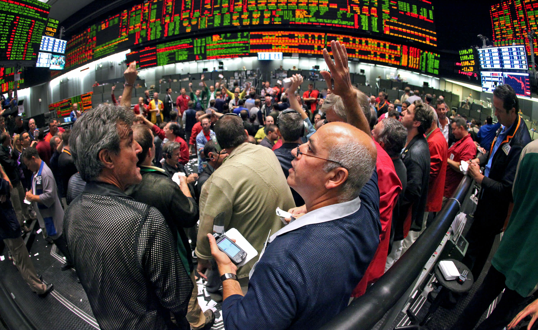 Treasury yields edge lower as Wall Street rally fades