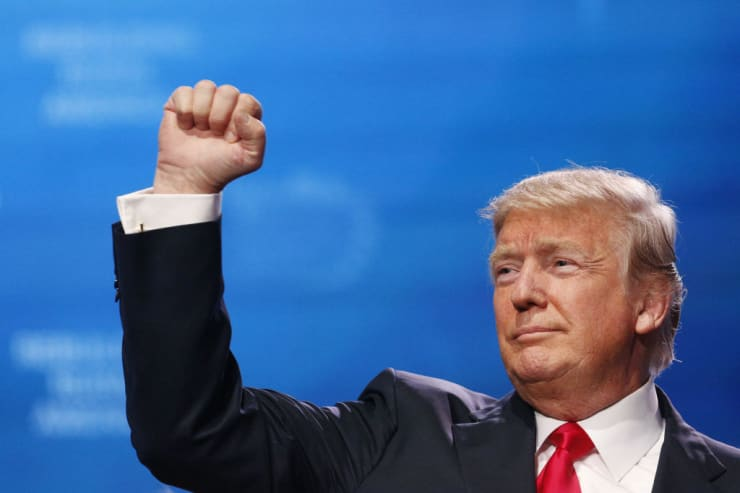 Trump  fist PREMIUM EA