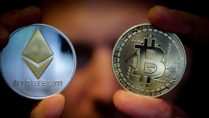1 bitcoin a mad)