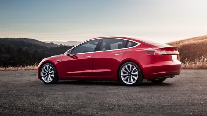 Tesla Releases Driving Mode For Racetracks On Model 3 Performance Cars