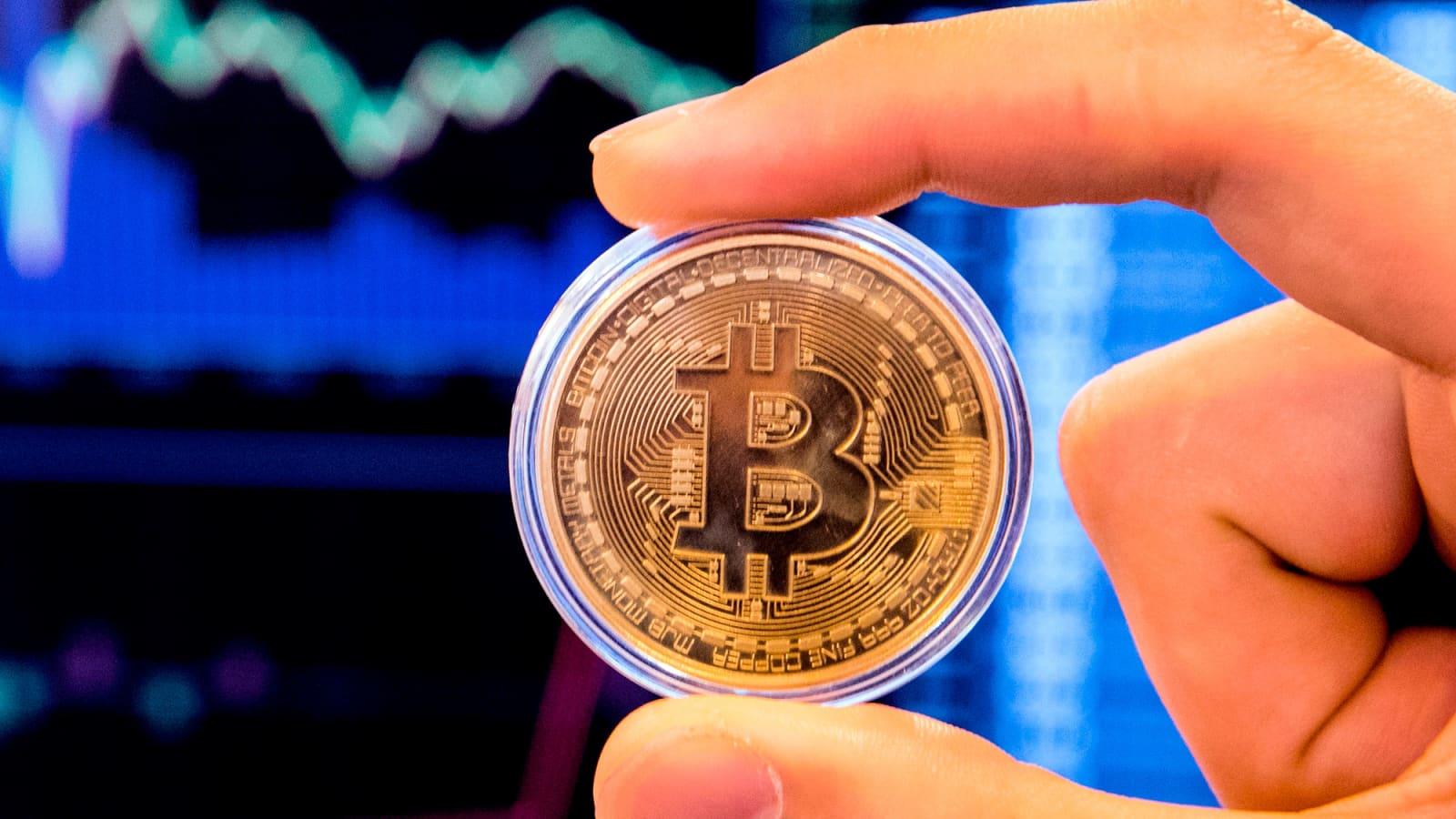 bitcoin to dollar calculator dollaro canadese a bitcoin