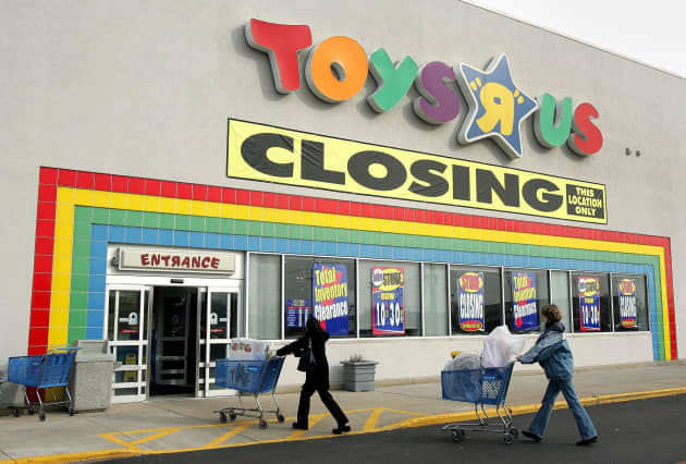 9ad69115a7 More Toys R Us stores went up for sale. Here s what s moving in