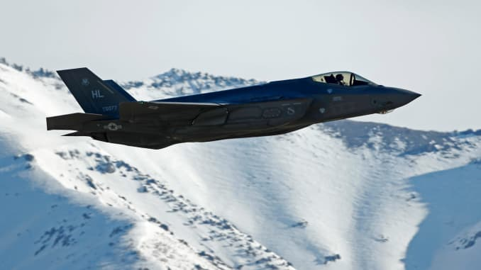 Pentagon wants to know true cost of F-35 system
