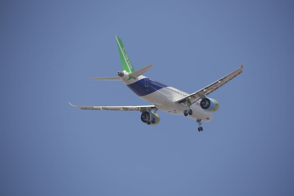 The second C919 passenger jet takes off from Pudong International Airport on December 17, 2017.