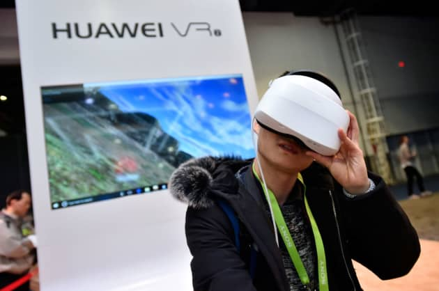 6d9ac727c8e8c Chinese electronics giant Huawei signals a change in tactics