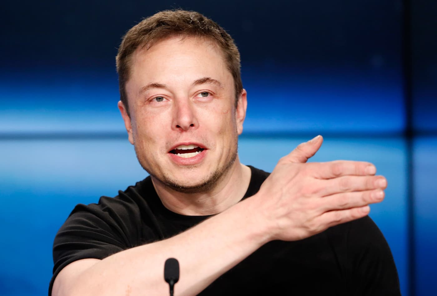 Elon Musk calls this a 'powerful, powerful way of thinking'—but is 'hard to do.' Here's how it works