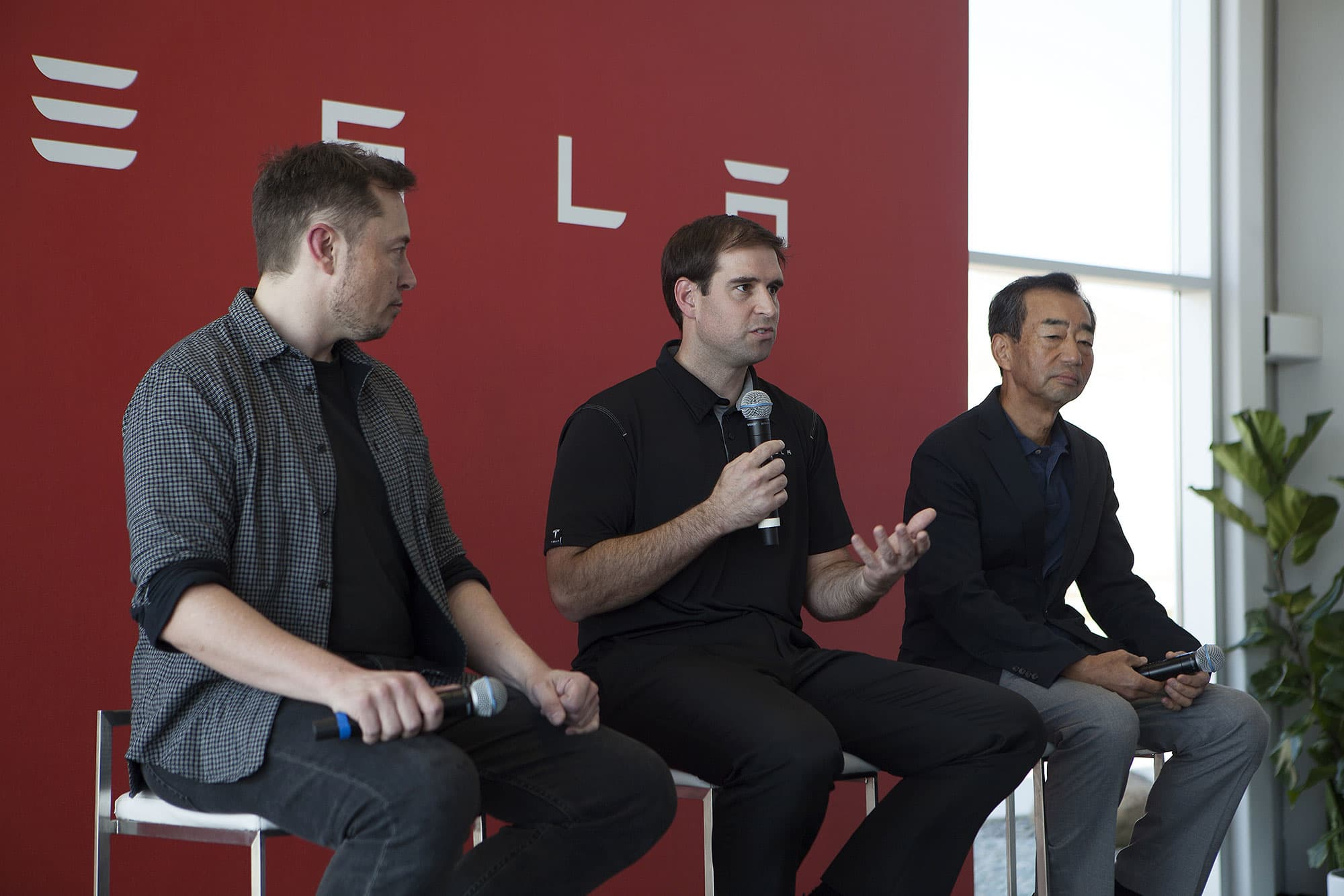 Tesla CTO and co-founder JB Straubel is moving to advisory role as brain drain continues
