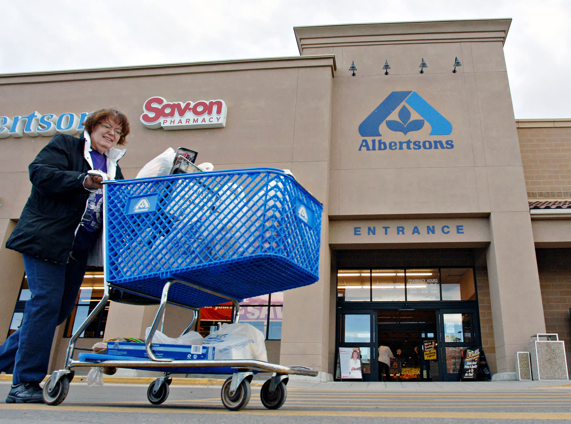 After aborted Rite Aid deal, Albertsons faces rocky path