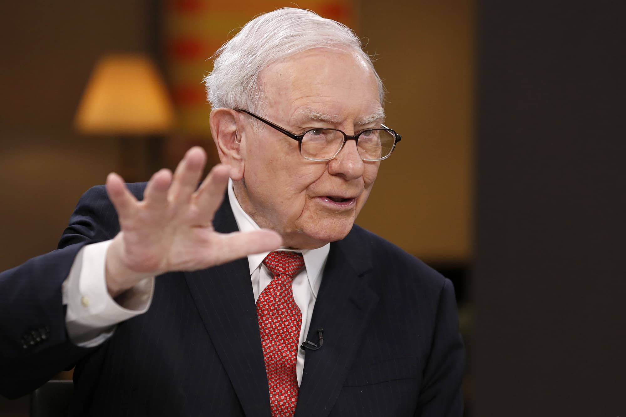 Warren Buffett explains one thing people still don't understand about bitcoin