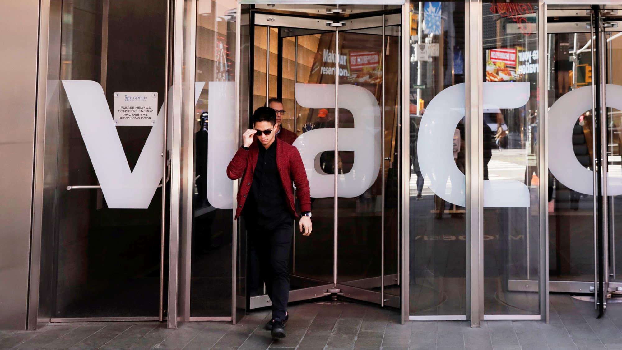 Viacom beats quarterly revenue estimates thumbnail