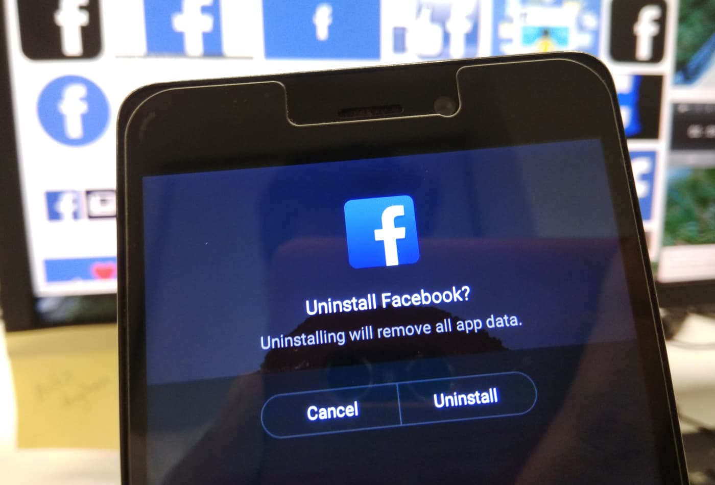 Facebook data scandal: Commerzbank and Mozilla pull advertising