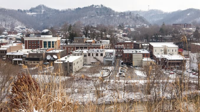 The Kentucky coal town fighting to survive after coal mining closings