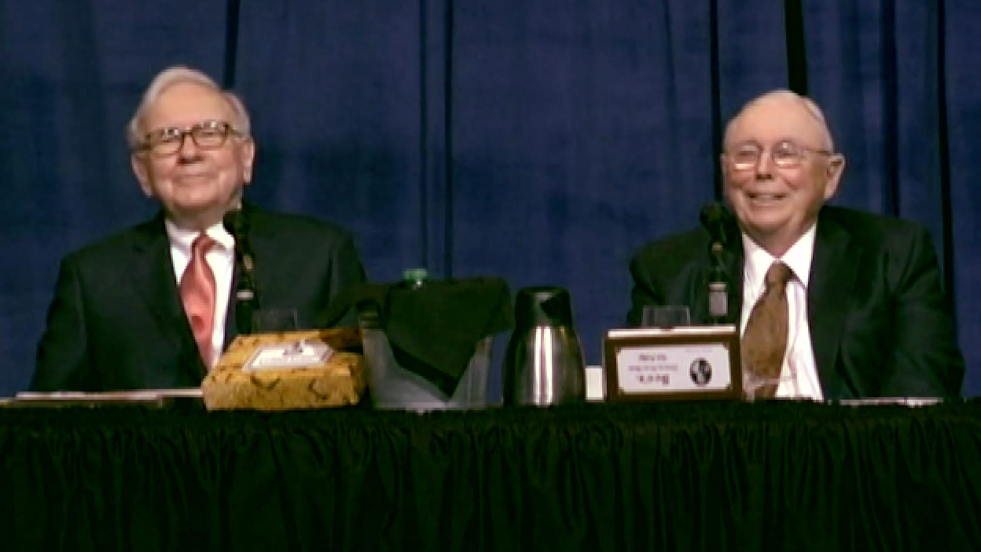 c51c33ab0f6 Morning Session - 2011 Berkshire Hathaway Annual Meeting