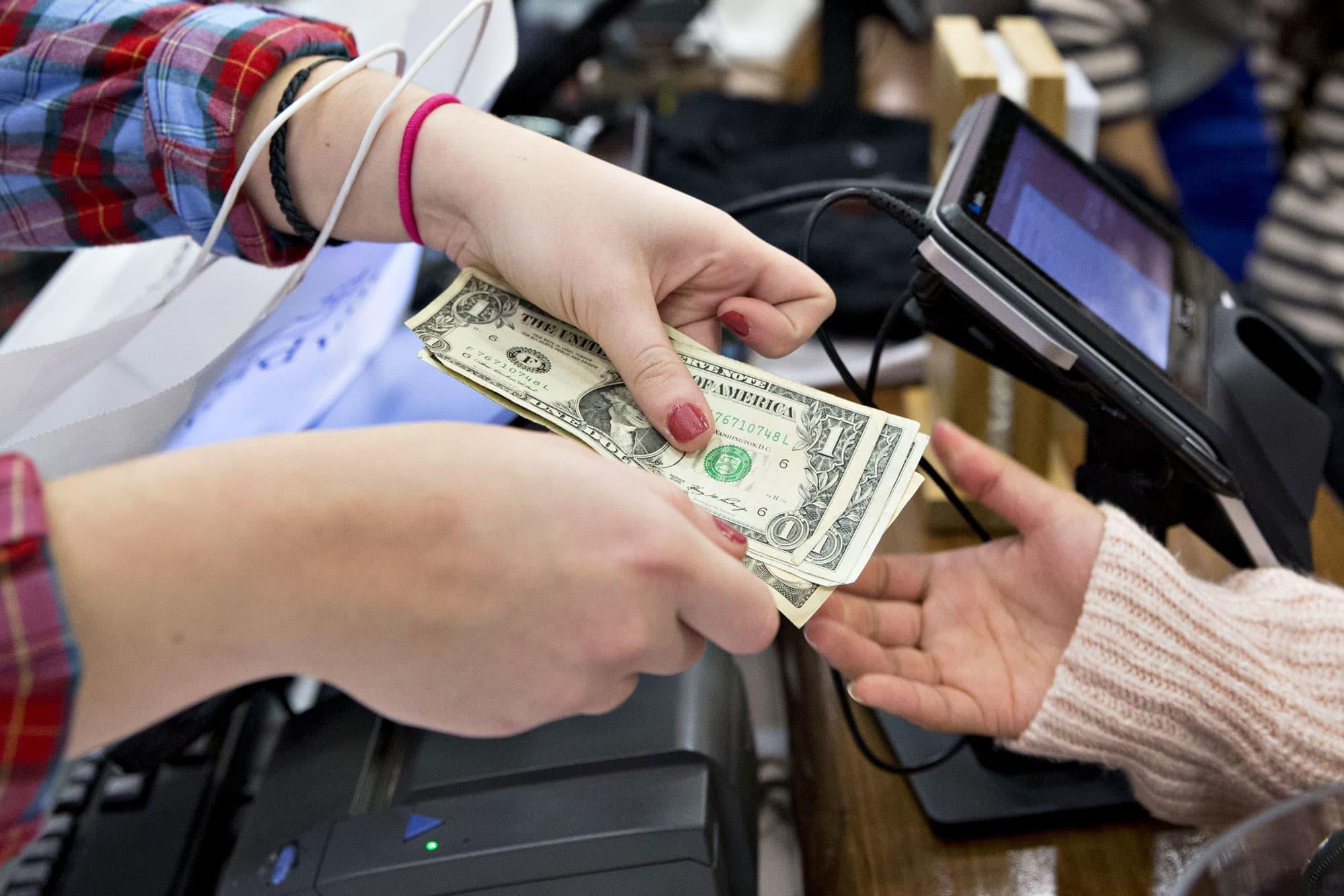 Personal income March 2019