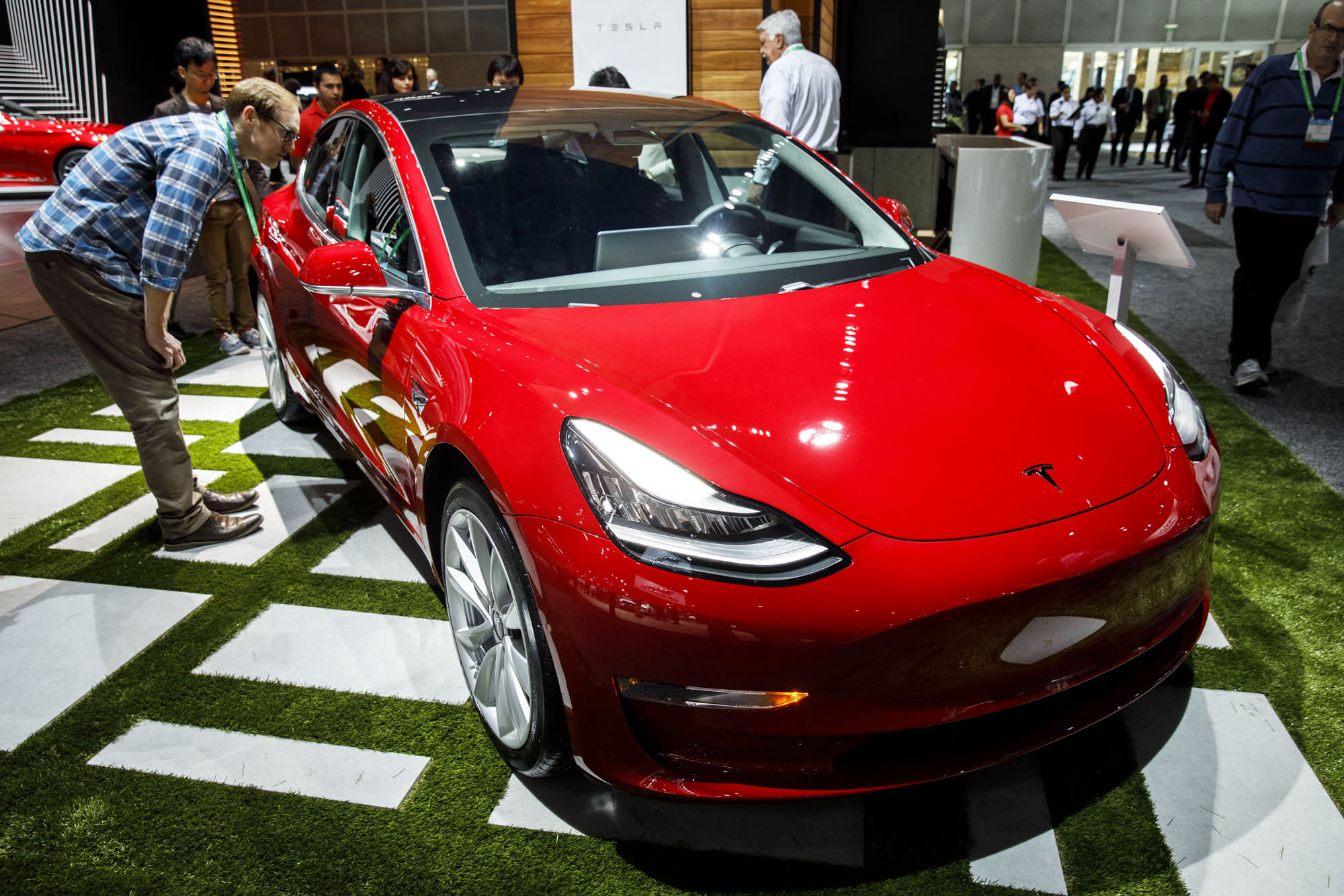 Tesla shares fall after Consumer Reports says it will no longer recommend Model 3