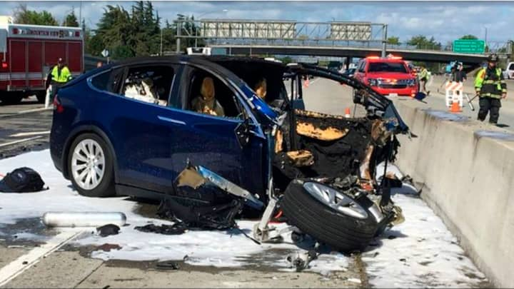 US safety agency criticizes Tesla's Model X crash data release