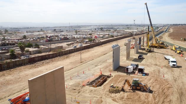 Handout: Customs border wall
