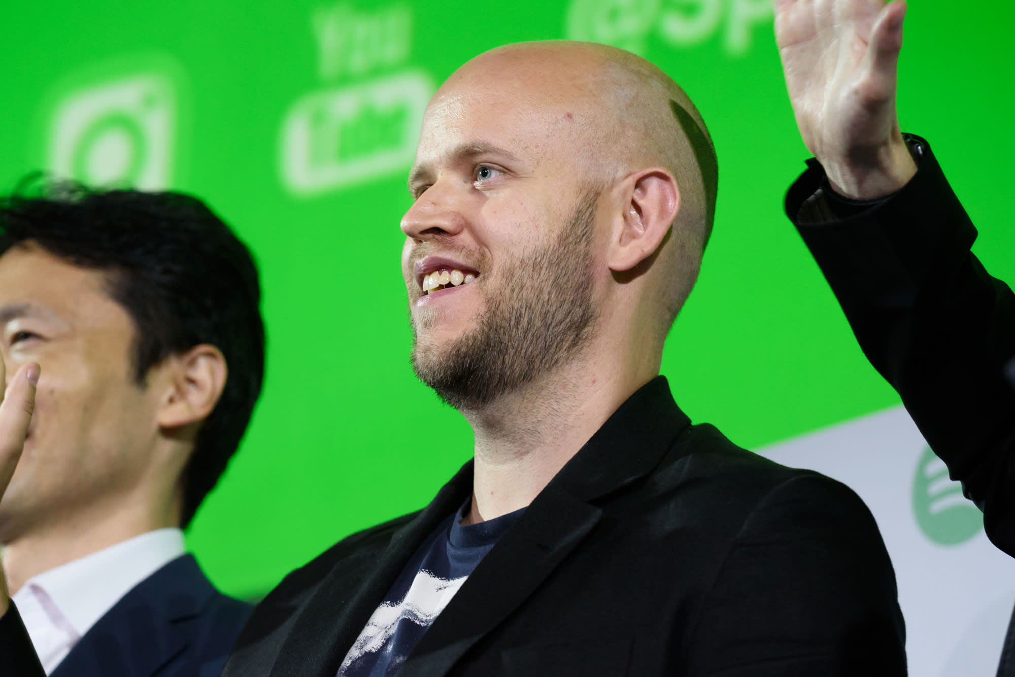 Spotify suspends political ads for 2020, taking the opposite stance from Facebook
