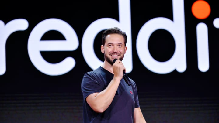 Reddit's Alexis Ohanian asks, 'Do you really need to go to