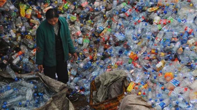 Climate change: China bans import of foreign waste to stop