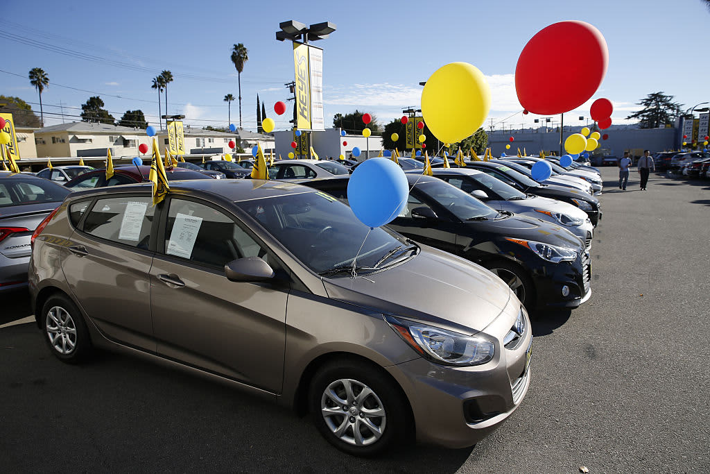 How to snag a good deal on a car if you're shopping during the July 4 sales push
