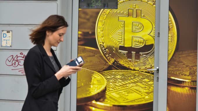 who drives cryptocurrency prices down