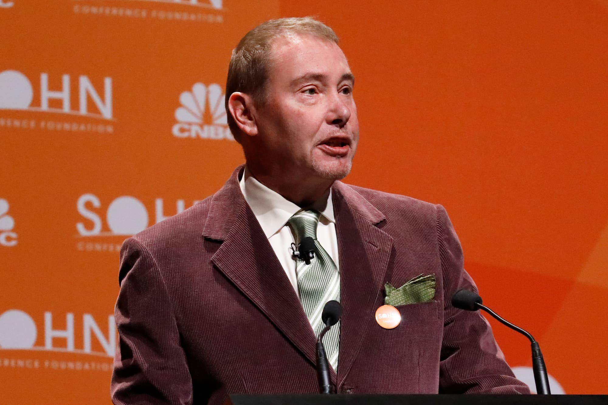 Jeff Gundlach says investors can get rich off interest rate volatility ahead