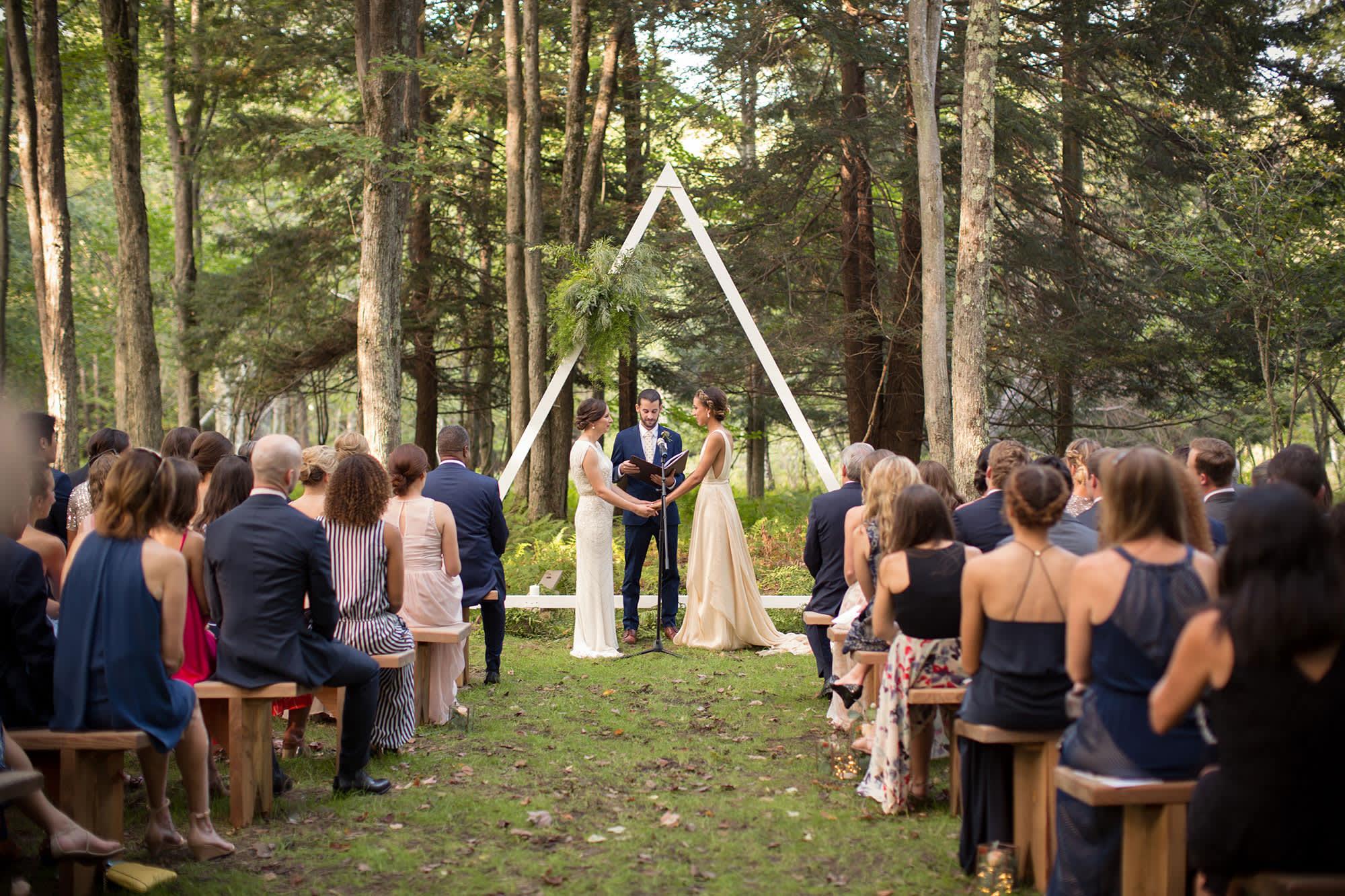 Offbeat Wedding Venues Can Help Trim Your Wedding Budget