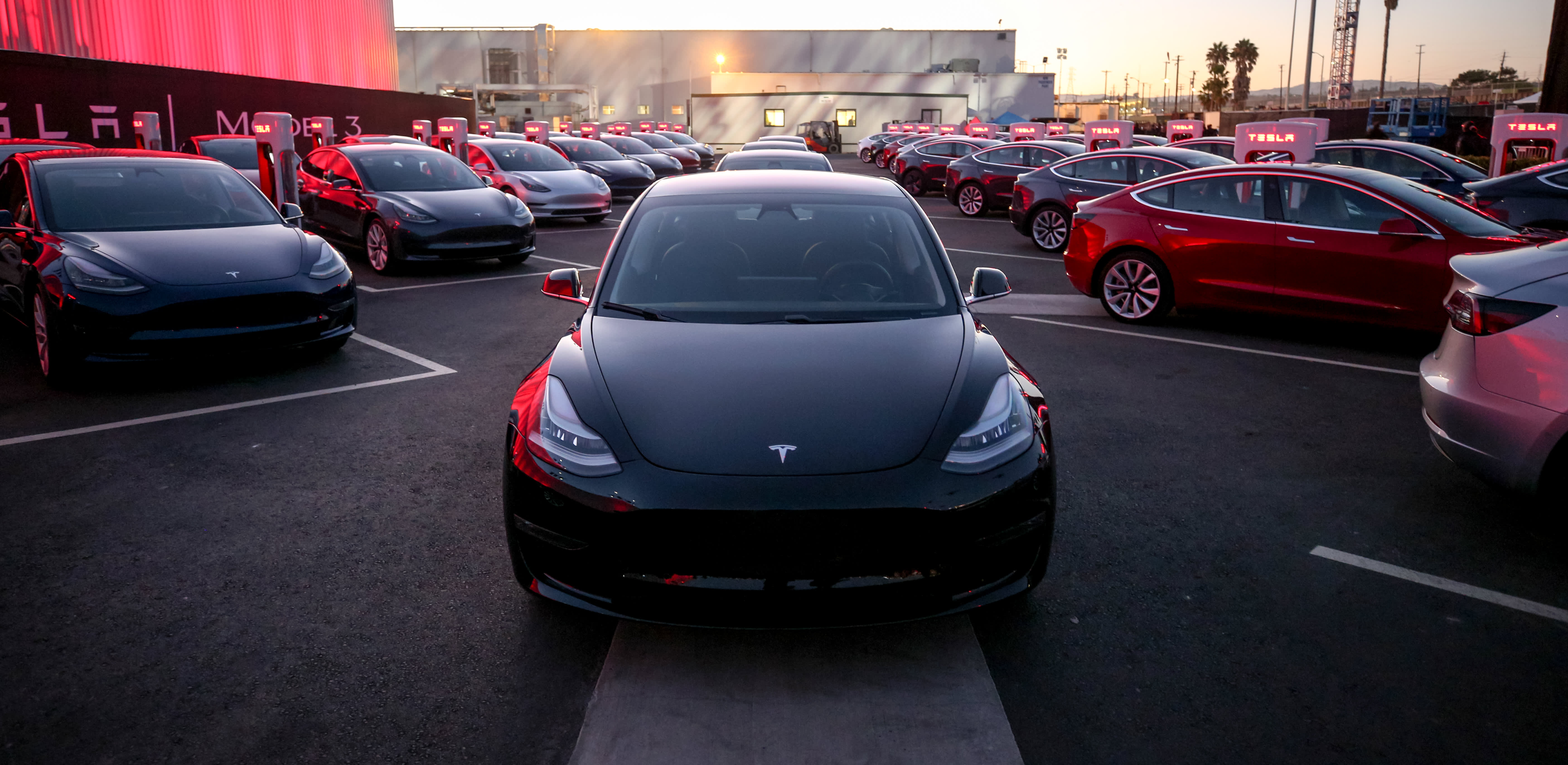 Tesla shares rise as first-quarter earnings beat