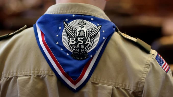 Boy Scouts failed to protect nearly 800 from sex abuse: lawsuit