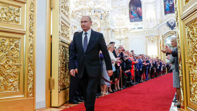 Russia S Putin Sworn In For Another Six Years In Office