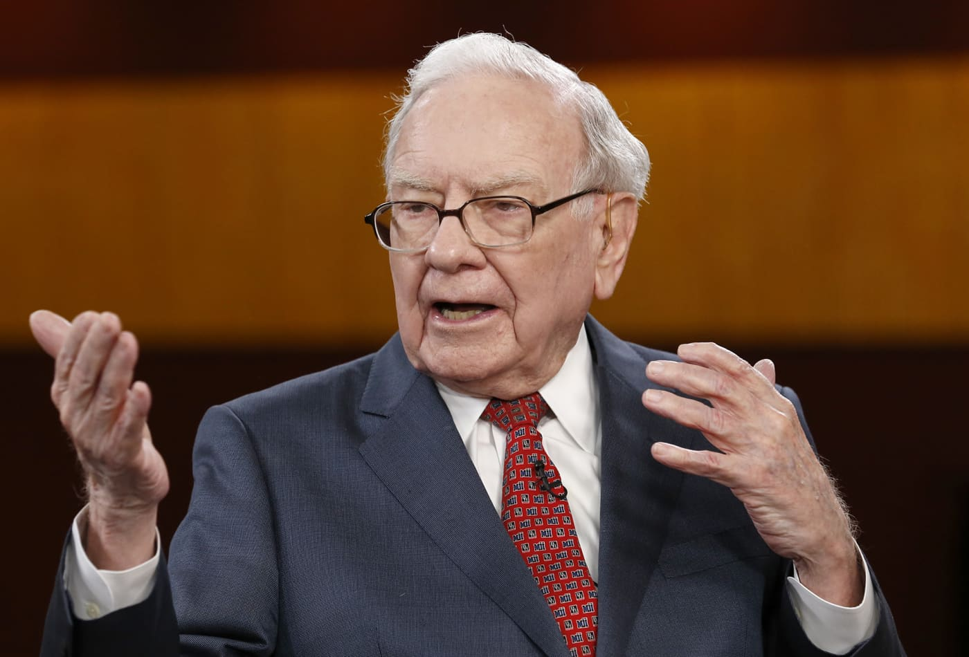 Warren Buffett on why rich people, government should help the poor