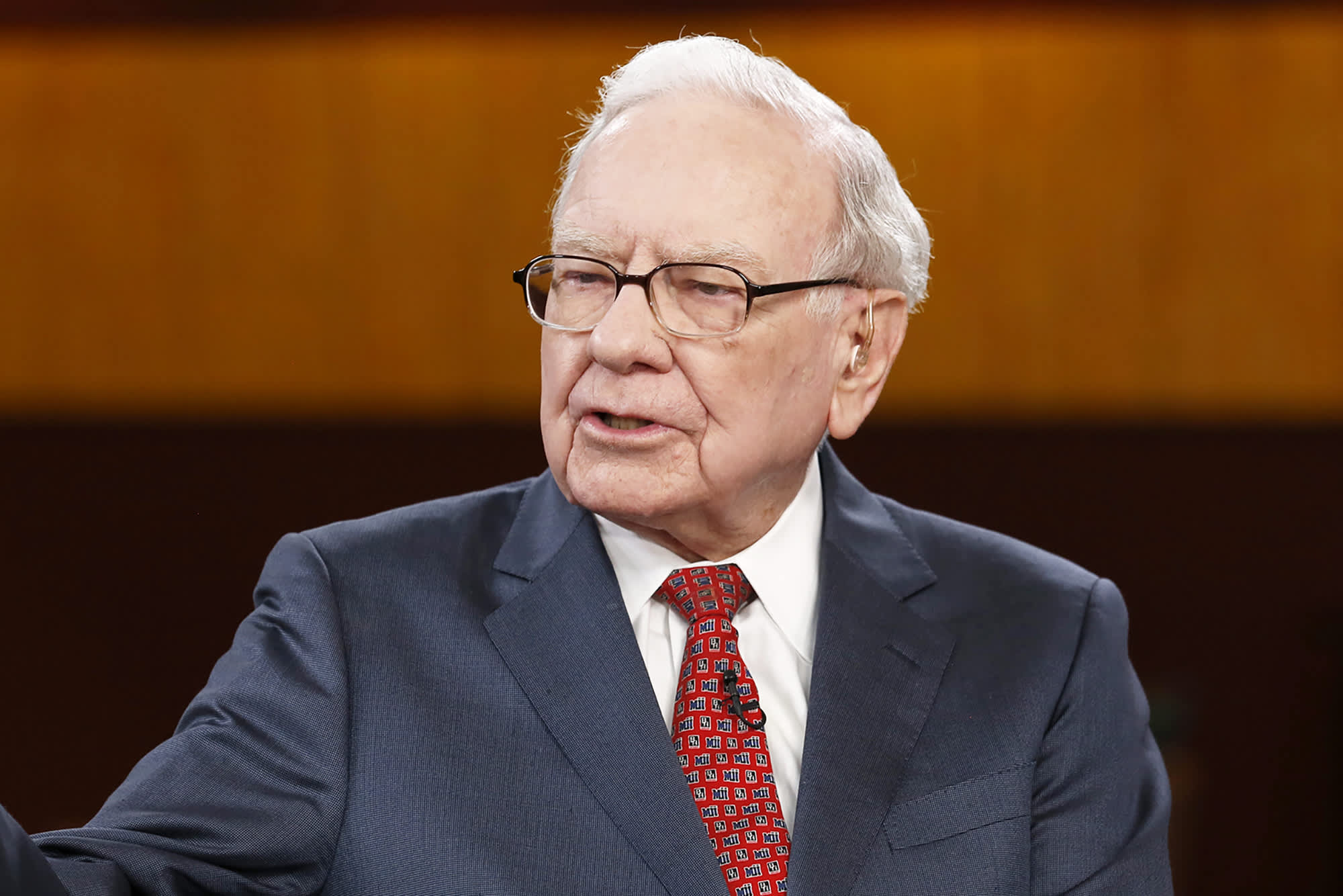 Warren Buffett doesn't worry about how his investments perform year over year—here's why you shouldn't either