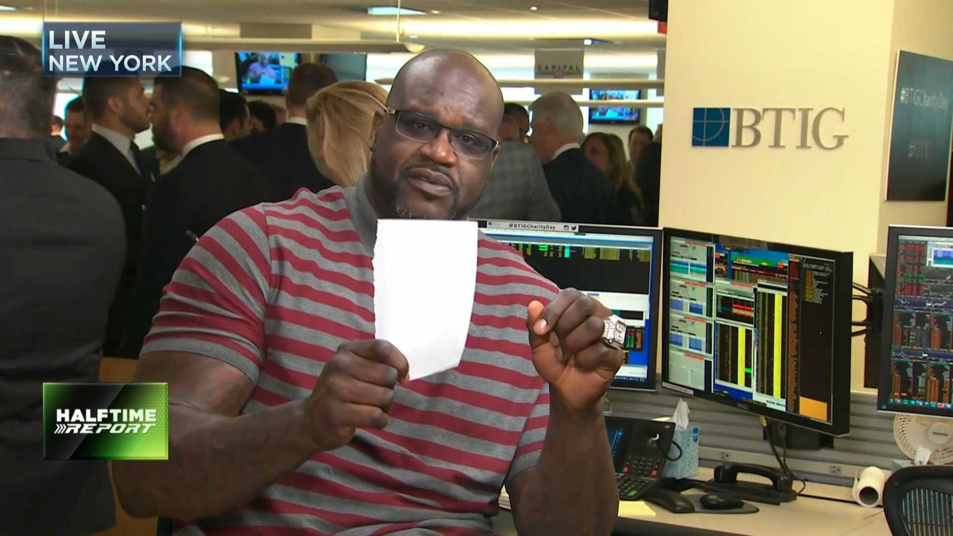 Shaq once blew through $1 million in under an hour, but now he saves 75% of his income