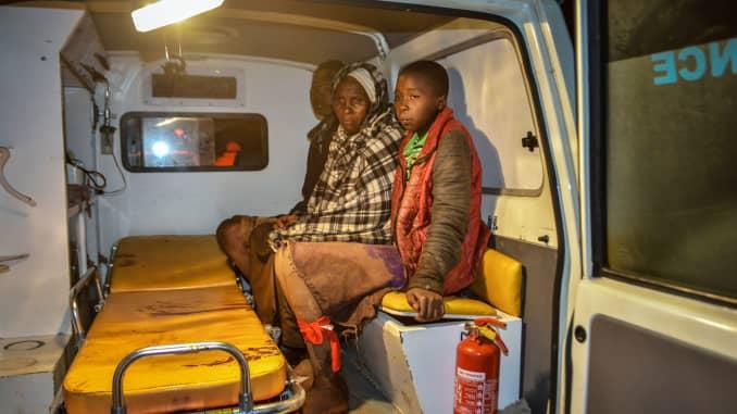 Kenya dam burst causes 'huge destruction of both life and