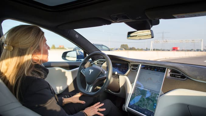 Tesla Autopilot design and user error to blame for Model S