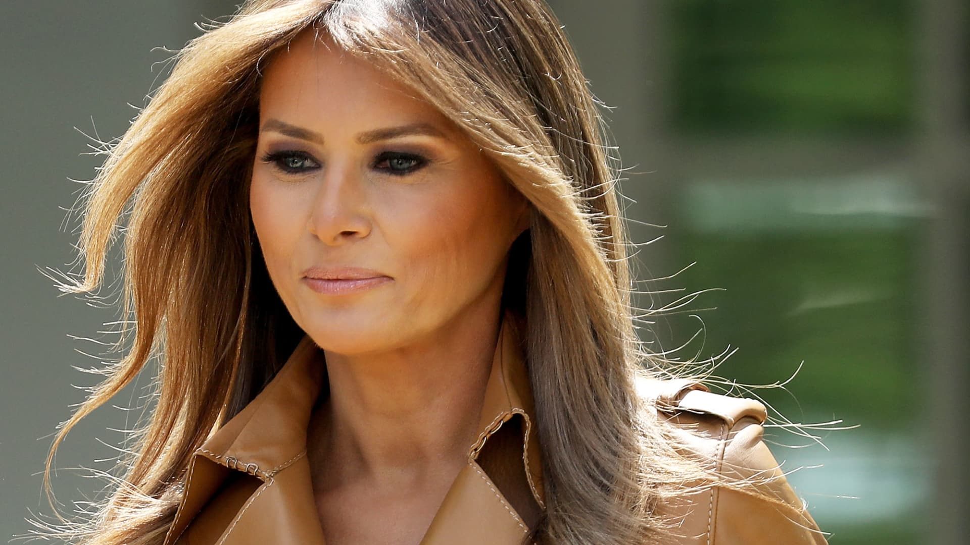U.S. first lady Melania Trump arrives in the Rose Garden to speak at the White House May 7, 2018 in Washington, DC.